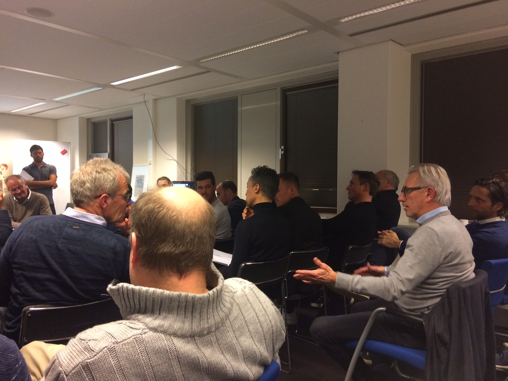 'De KNVB moet méér investeren in goede jeugdtrainers'