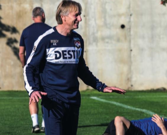 Adrie Koster: 'Voetbalvormen, ook in de voorbereiding'