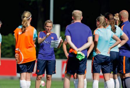 Wiegman: 'Conflict is soms nodig om het team verder te helpen'
